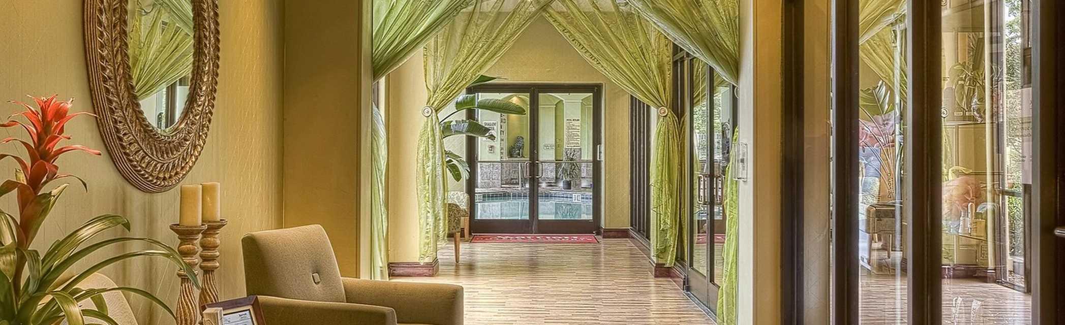 sonnenklar.TV Reisebüro | Design Hotels AG